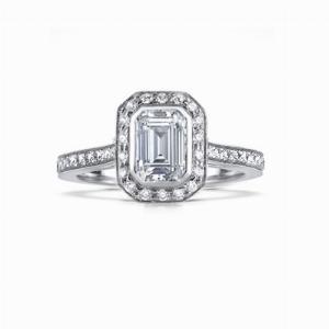 Vintage 0.90ct G VS2 Emerald Cut Diamond Cluster Ring