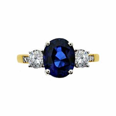 2.00ct Vintage Oval Sapphire & Diamond Trilogy Ring