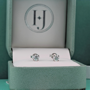 18ct White Gold 0.50ct Diamond Stud Earrings