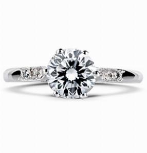 EVELYN Vintage Brilliant Cut Engagement Ring