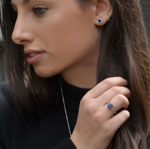 18ct White Gold Sapphire & Diamond Solitaire Ring